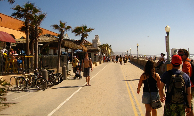 mission-beach-board-walk