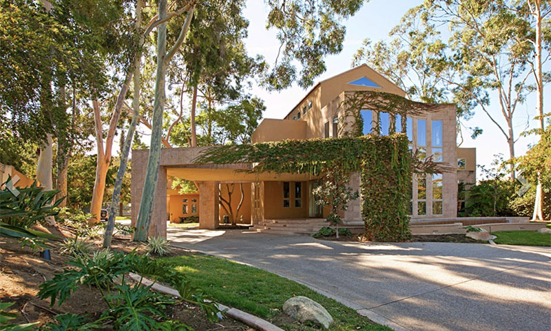curb appeal Poway home for sale