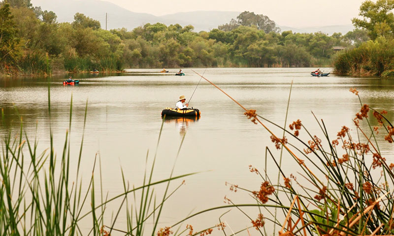 santee-fishing-lake