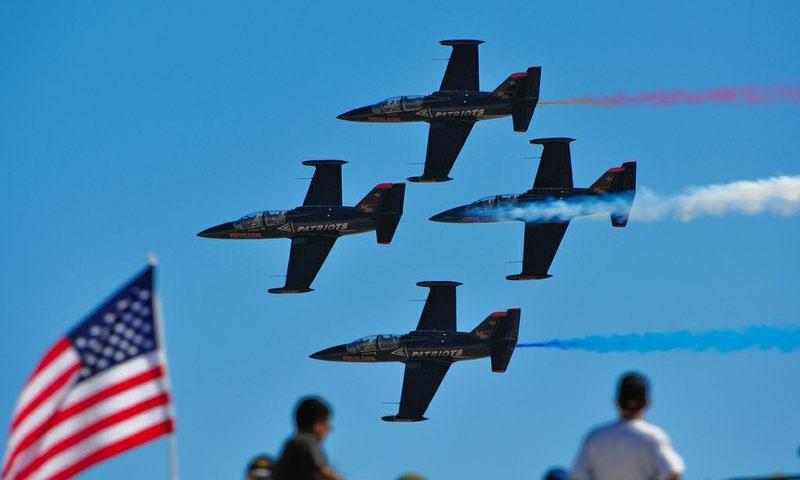 american-flag-flight-1