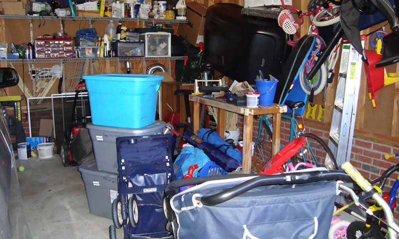 organizing home in rubbermaid totes